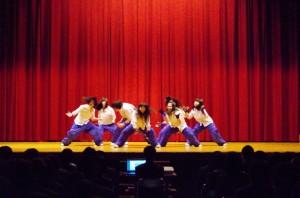 ダンス部のパフォーマンス